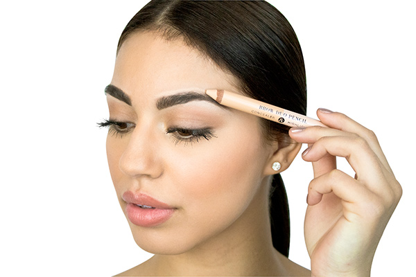 concealer and highlighter pencil