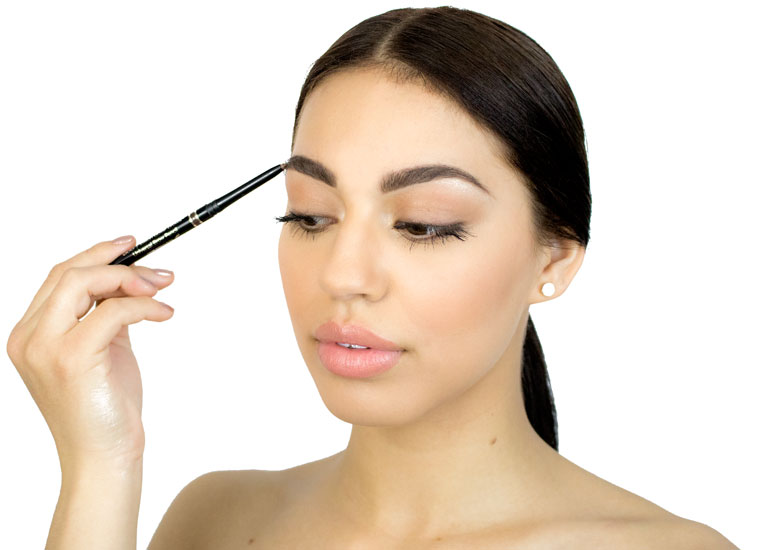 woman using the universal brow pencil